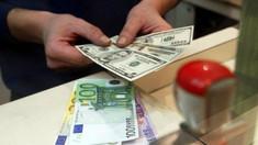 Euro și dolarul se vor ieftini la începutul săptămânii, conform cursului afișat de BNM