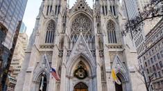 Un bărbat a fost arestat în Catedrala Saint-Patrick din New York, având asupra lui bidoane cu benzină