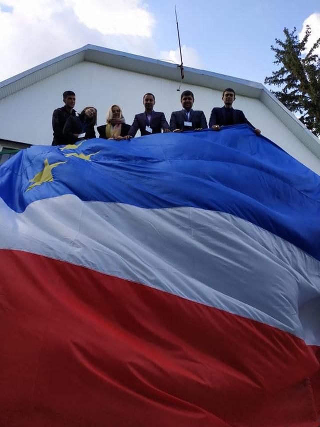 FOTO | Un drapel al Găgăuziei a fost desfășurat la Tiraspol. Inițiatorii afirmă că nu ar fi SEPARATIȘTI