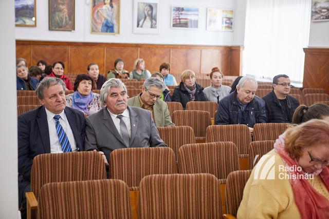 Galerie de personalități în aproape 2 mii de pagini - lansarea cărții lui Neagu Udroiu la Chișinău