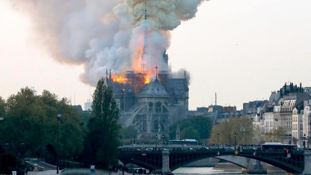 Lideri din întreaga lume au reacționat după incendiul de la Catedrala Notre-Dame