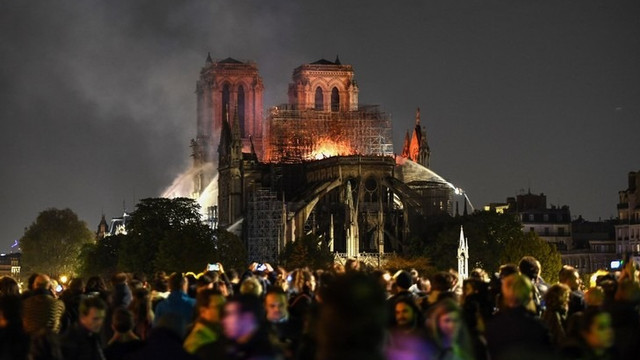 Autoritățile moldovenești și-au exprimat compasiunea în legătură cu incendiul de la Catedrala Notre-Dame