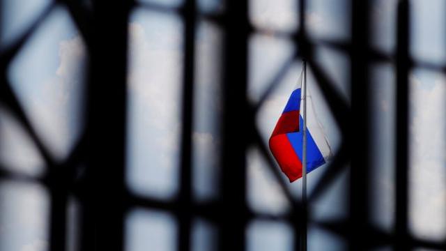 Guvernul de la Kiev interzice zborurile neregulate între Ucraina şi Rusia