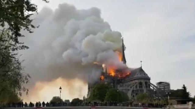VIDEO/LIVE | Incendiu de PROPORȚII la Catedrala Notre-Dame din Paris