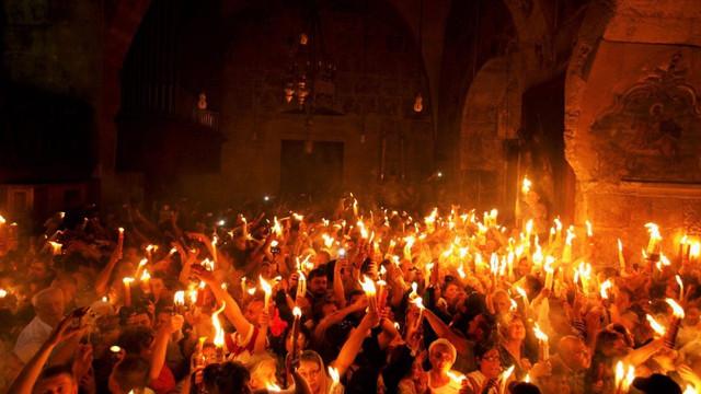 """Lumina Sfântă va fi adusă de la Ierusalim în noaptea Paștilor la Catedrala """"Nașterea Domnului"""" din Chișinău"""