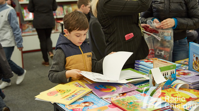 """Ambasadorul SUA în R.Moldova va citi copiilor """"povestea preferată"""" la Salonul Internațional de Carte pentru Copii şi Tineret"""
