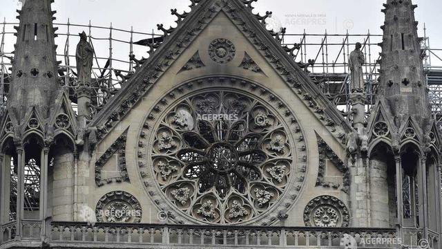 Un concurs internațional de arhitectură, lansat pentru reconstrucția fleșei distruse a catedralei Notre-Dame