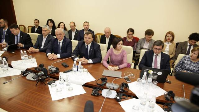 """Blocul ACUM a refuzat să discute cu deputații Partidului Șor care au venit la negocierile privind """"pachetul de deoligarhizare"""" a statului"""