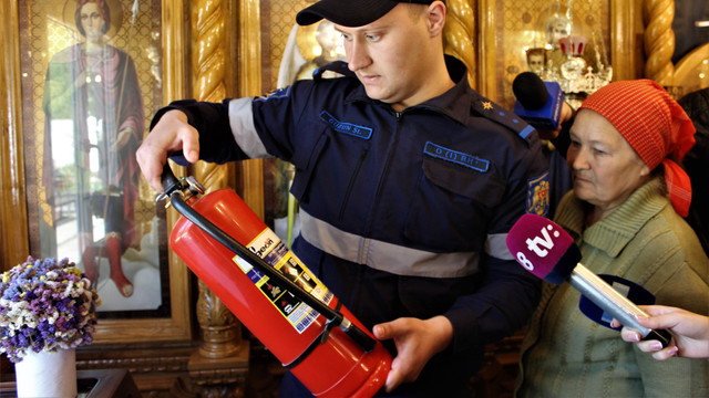Lăcașele de cult, în vizorul pompierilor și salvatorilor