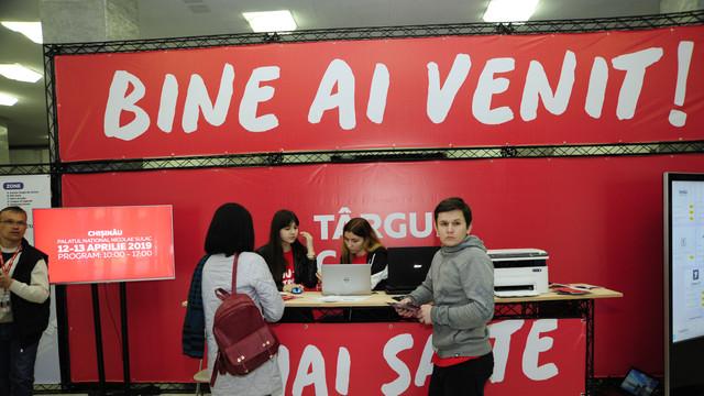 GALERIE FOTO | Circa două mii de oferte de muncă expuse la Târgul de Cariere din Chișinău
