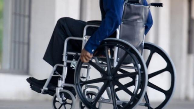 STUDIU | Din sutele de clădiri în care sunt organizate secții de votare, doar 6 sunt accesibile persoanelor cu dizabilități