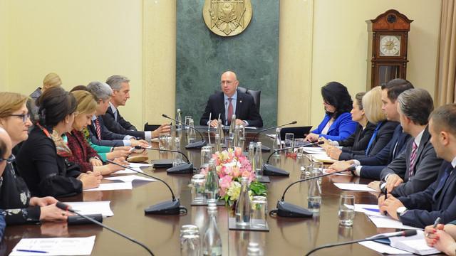Executivul, în ședință neanunțată în vederea aprobării unui proiect de Hotărâre. Precizările reprezentanților Guvernului