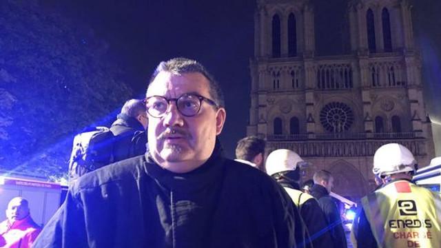 Un preot francez a reuşit să salveze Coroana de Spini a lui Iisus din incendiul de la Notre-Dame