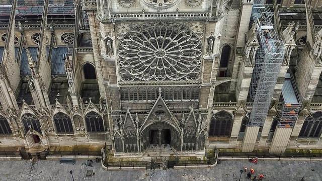Reconstrucţia Catedralei Notre-Dame, imposibilă. Ce spun arhitecţii