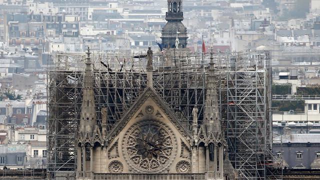 Marile companii franceze se solidarizează pentru restaurarea Catedralei Notre-Dame. Suma la care ajung donaţiile