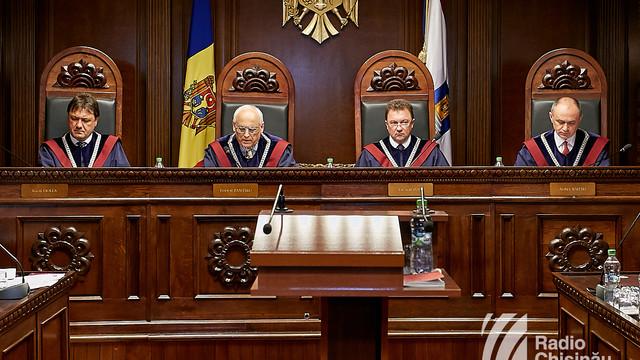 Ce spun experții despre sesizarea depusă de președintele Igor Dodon la Curtea Constituțională