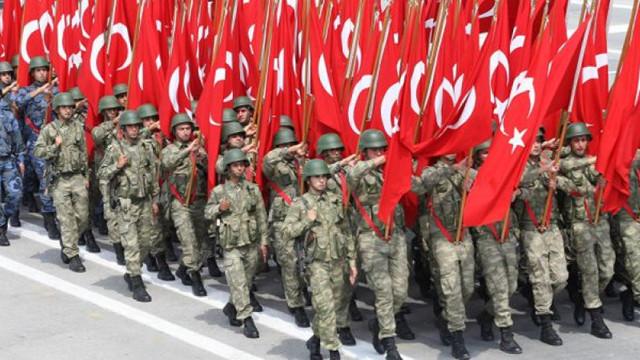 În Turcia, 210 militari au fost arestați pentru legături cu rețeaua acuzată de organizarea loviturii de stat din 2016