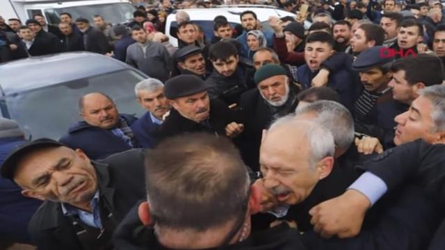 VIDEO | Liderul principalului partid de opoziție din Turcia, atacat de mulțime la Ankara