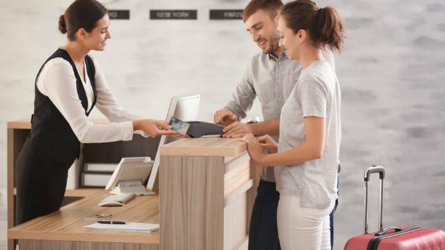 Două treimi din site-urile hotelurilor facilitează accesul la informațiile personale ale clienților