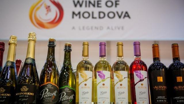 """La Chișinău a fost lansat """"Catalogul de Aur al vinurilor moldovenești-2018"""""""