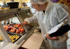 Epidemiologii atenţionează populaţia privind toxiinfecțiile alimentare în perioada caldă a anului