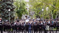 GALERIE FOTO | Protestul și contraprotestul din centrul Capitalei în imagini