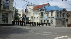 Circulație blocată pe strada București din Capitală atât pentru transport, cât și pentru pietoni, în legătură cu marșul în susținerea comunității LGBT