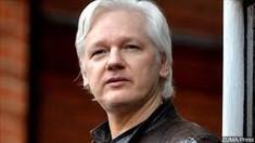 Autorităţile din Suedia solicită oficial arestarea lui Julian Assange