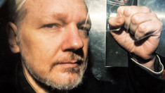 Julian Assange riscă zeci de ani de închisoare, după ce justiţia americană a prezentat 17 noi capete de acuzare