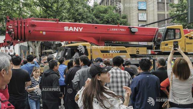 China | Bilanțul prăbușirii unei clădiri la Shanghai urcă la zece morți