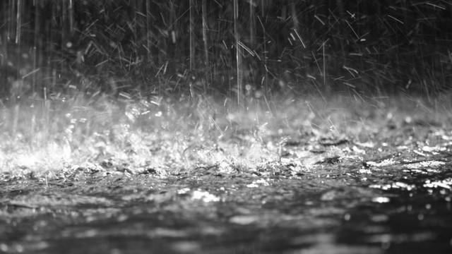 Meteorologii au emis, din nou, Cod Galben de instabilitate atmosferică