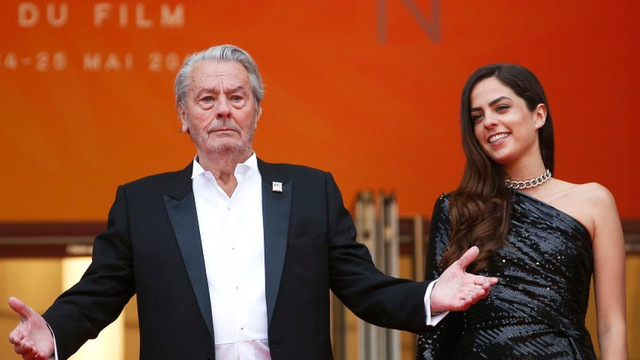 VIDEO | Moment emoționant la Cannes. Alain Delon: Nu am mai plâns de mult așa. E dificil să pleci