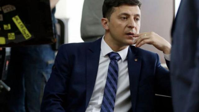 Ucraina | Petiţie prin care ucrainenii îi cer lui Zelenski să demisioneze