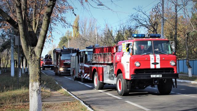 Expoziţie de epocă, fără precedent a autospecialelor de intervenţie a pompierilor. La eveniment sunt așteptați copiii