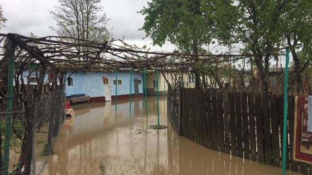 Inundații în România | Intervenții în 11 județe și sute de gospodării afectate în ultimele 24 de ore