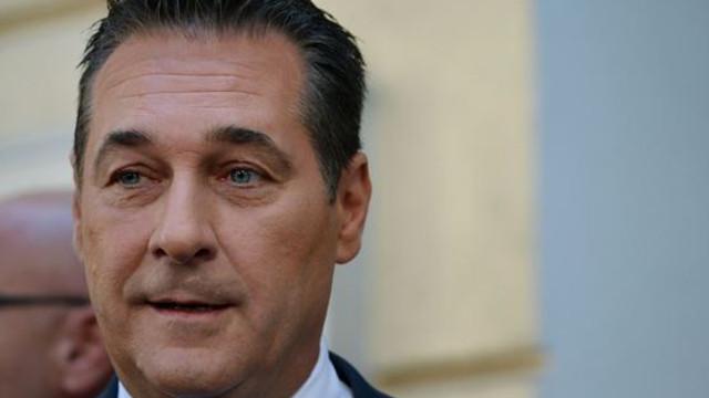 Capcana cu Rusia. Vicecancelarul Austriei, surprins cu camera ascunsă, încercând să obțină sprijin financiar