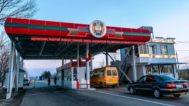 Tiraspolul aplică vinietă pentru șoferii de pe malul drept al Nistrului - 100 de euro pe an pentru a circula în Transnistria