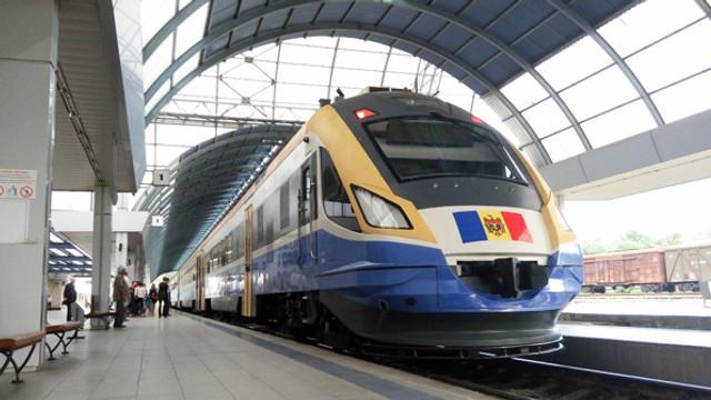 """Moldovenii pot cumpăra legitimații de călătorie în trafic internațional prin """"RoTicket""""din Gara feroviară Chișinău"""
