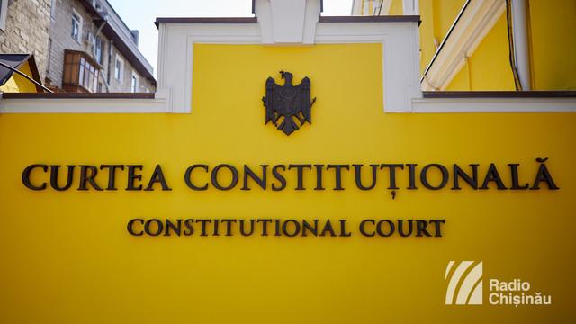 EXPERȚII comentează diferit decizia Curții Constituționale privind dreptul lui Igor Dodon de a desemna un candidat la funcția de premier