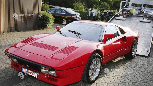 Germania | Un bărbat a profitat de un test-drive pentru a fura o maşină Ferrari foarte rară