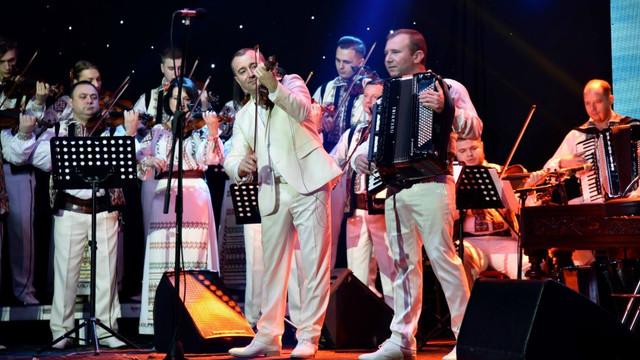 Orchestra Fraților Advahov va susține un concert la Filarmonica Națională