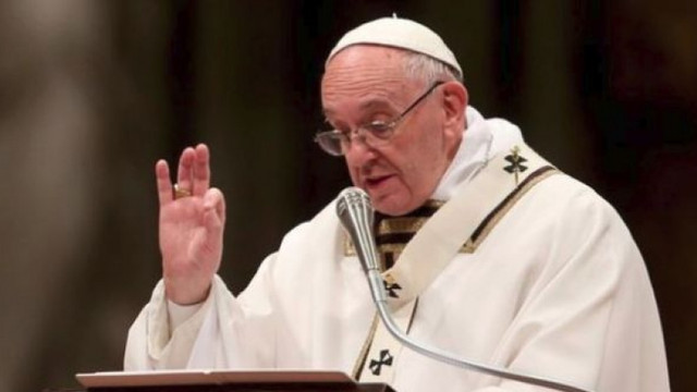 Papa Francisc sosește astăzi în România