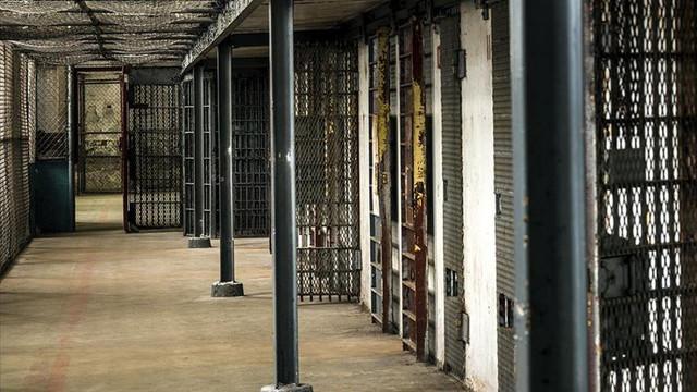 Cel puțin 29 de deținuți și trei gardieni au decedat în urma unei revolte într-un penitenciar de maximă securitate din Tadjikistan