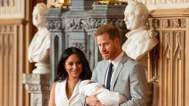 Prințul Harry și Meghan caută dădacă pentru fiul lor. Care sunt cerințele față de candidat și ce salariu ar ridica acesta
