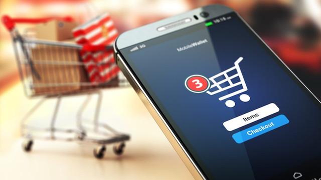 STUDIU | Utilizarea telefonului mobil la cumpărături creşte cu 41% suma cheltuită