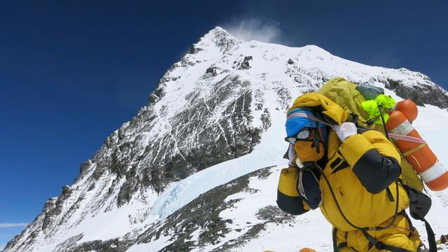 Un alpinist indian, prima persoană care şi-a pierdut viaţa pe Muntele Everest în 2019