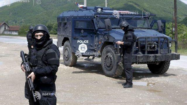 Tensiuni în Kosovo | Doi angajaţi ai ONU, arestaţi şi răniţi: Preşedintele Serbiei plasează armata în stare de luptă