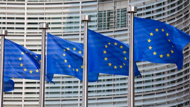 Comisia Europeană impune taxe vamale la importuri de biocarburanţi din Indonezia