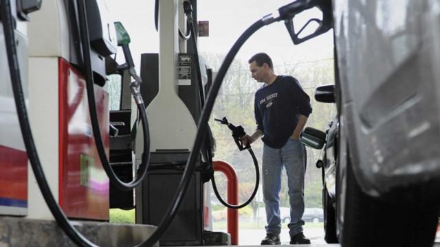 Petroliștii anticipează o criză a combustibilului dacă prețurile la carburanți vor scădea