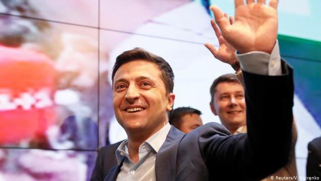 Volodimir Zelenski a confirmat că primul său decret prezidenţial va viza dizolvarea Radei Supreme